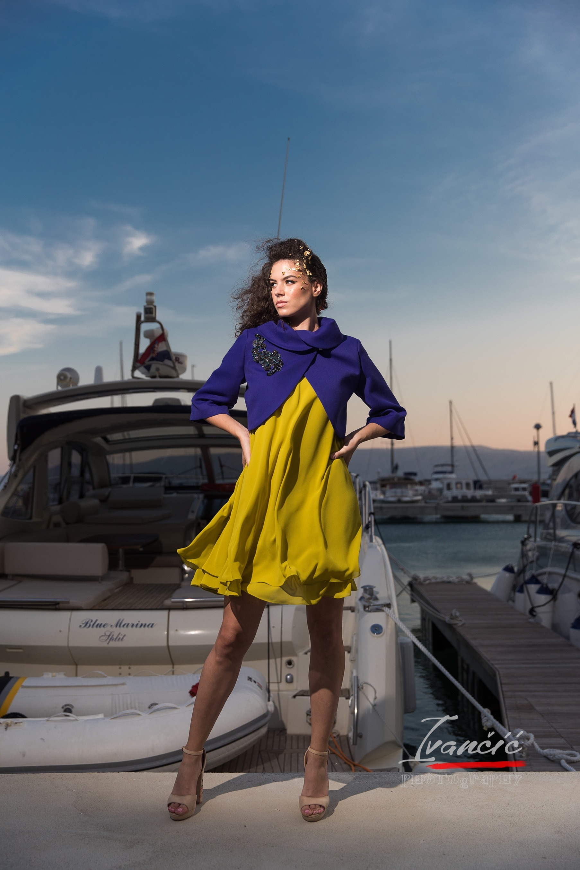 Modni stilist odjeće s marketingom